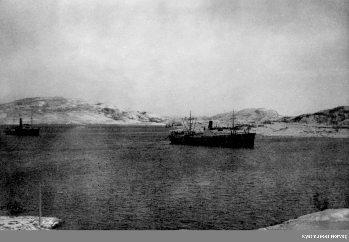 Lastebåter i Nærøysundet under 2. verdenskrig