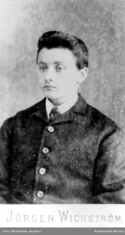 Portrett av ung ukjent mann
