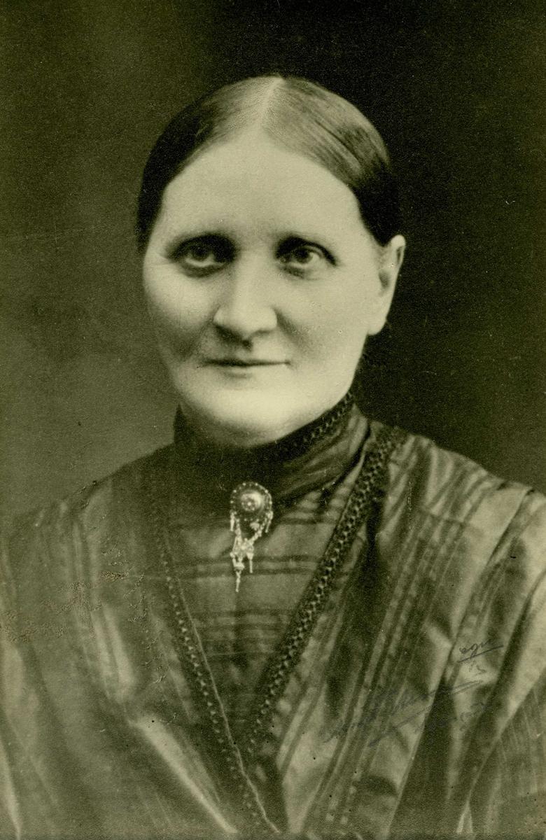 Portrett - Voksen dame.
