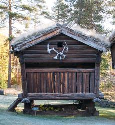 Stabbur fra søre Nestegard i Holet