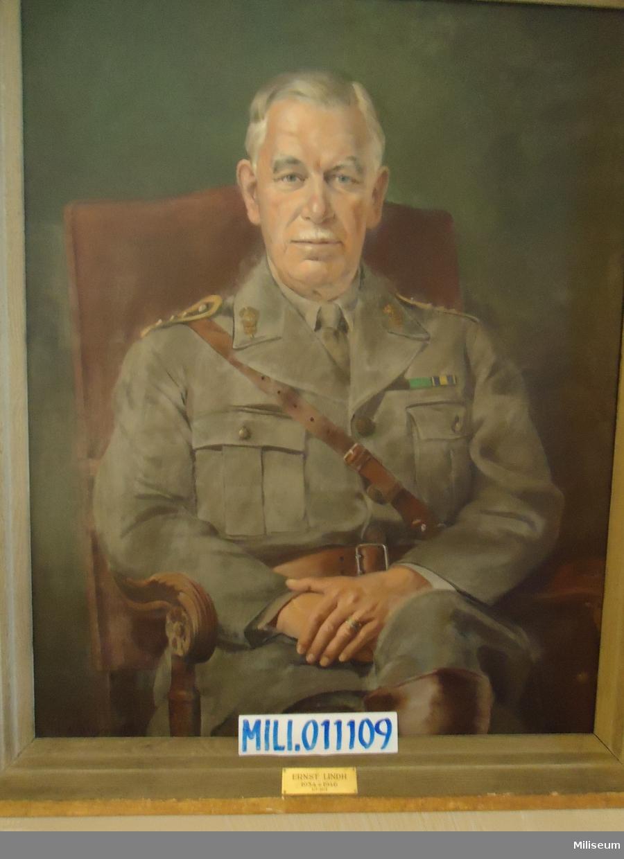 Porträtt i olja på duk av Ernst Lindh, inramad i förgylld träram.