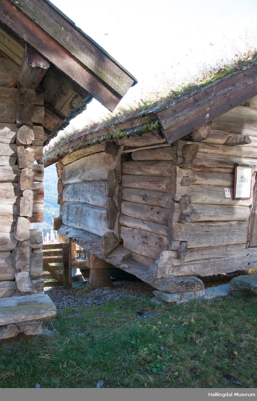 Stolphus fra nordre Kvinnegard på Ål Bygdamuseum, Leksvol
