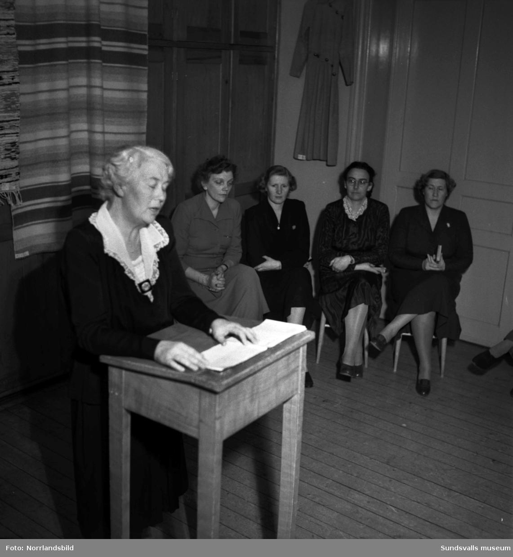 Kursavslutning på Vita Bandets husmodersskola.