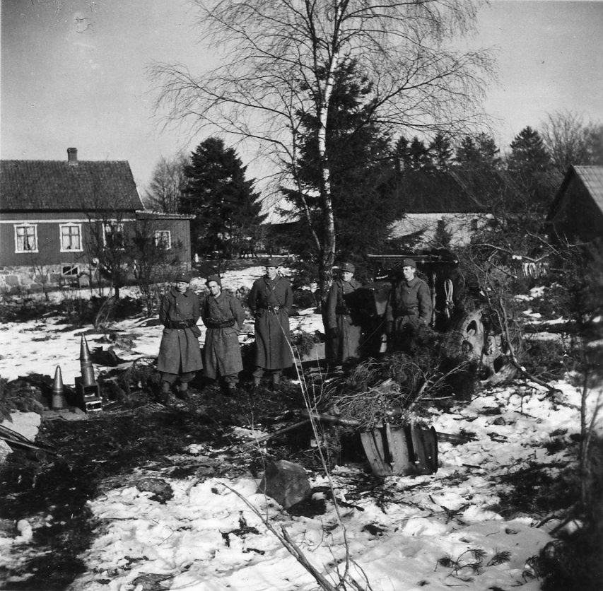 Haubits m/1938. 15 cm. Måleböke, från ställningen. 6.avd, A 6.