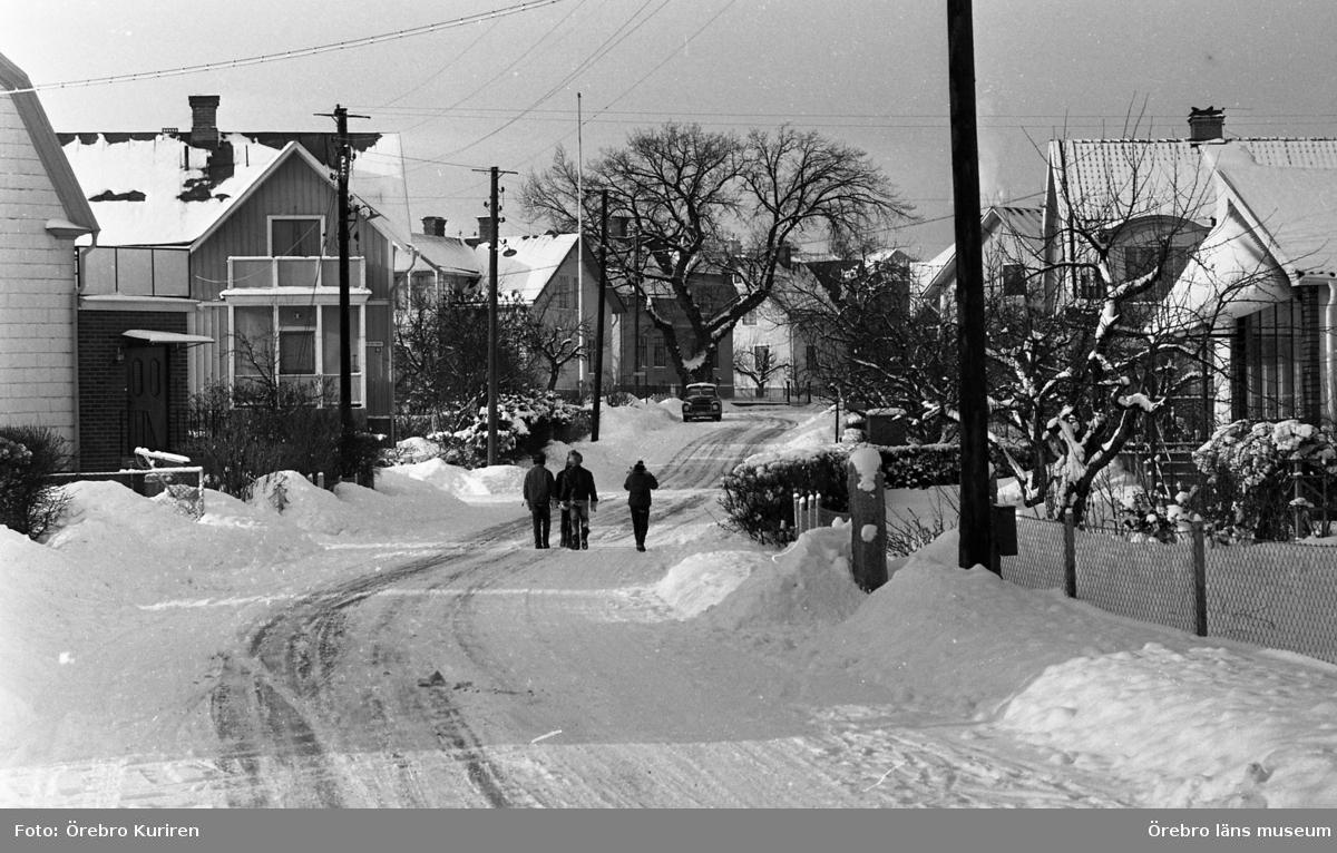 Rynninge. 19 februari 1969.  Torgvägen.
