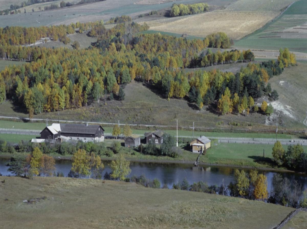 Flyfoto, gårdsbruk,Engelshus Nørdre, Dovre kommune
