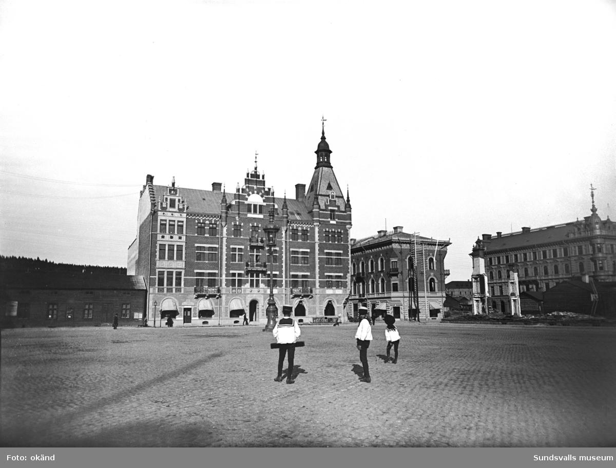 Stora Torget innan Holmströmska huset uppfördes 1896.