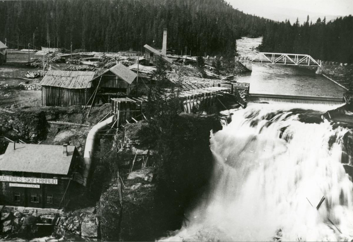 Valdres Skiferbruds kraftstasjon ved Storefoss i Øystre Slidre kommune. Kraftstasjonen ble bygget i 1907.
