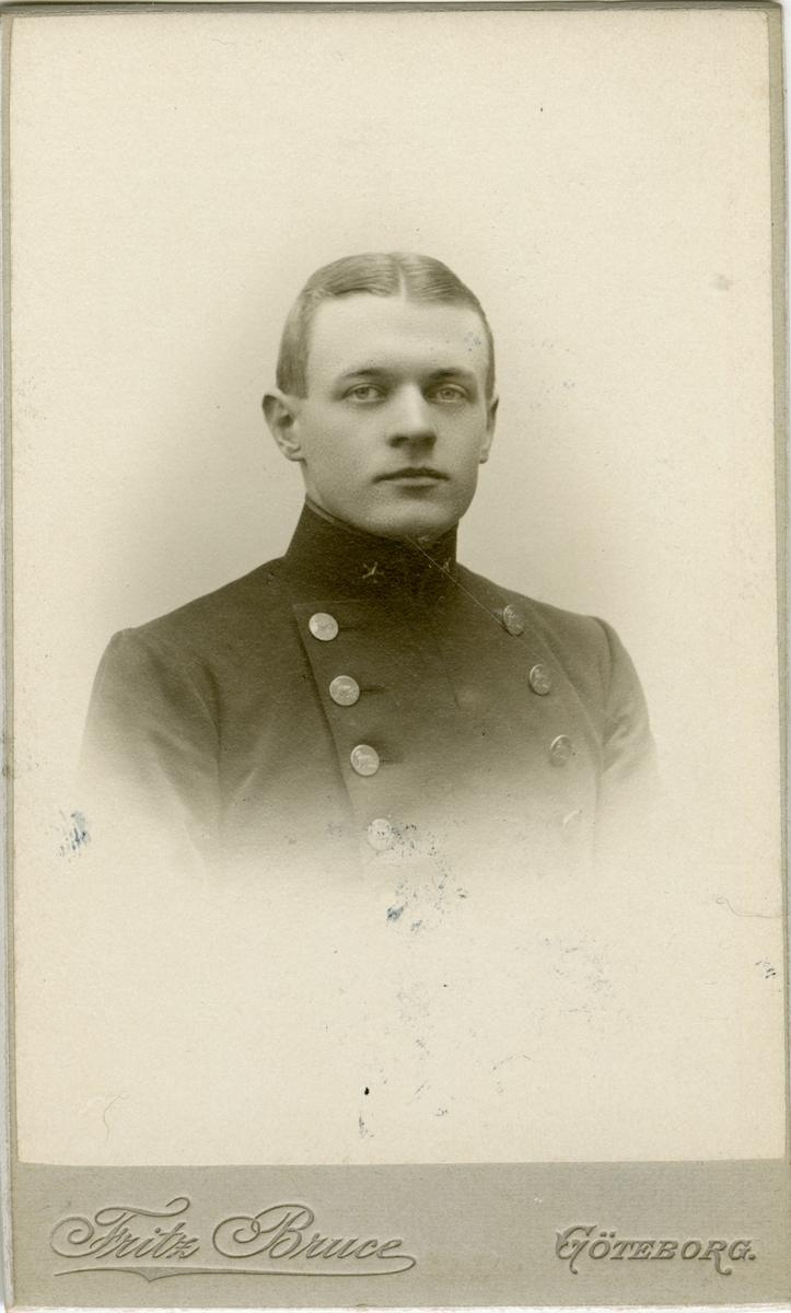 Porträtt av Erik Volrath Kristian Adelsköld, officer vid Västgöta-Dals regemente (Hallands regemente).