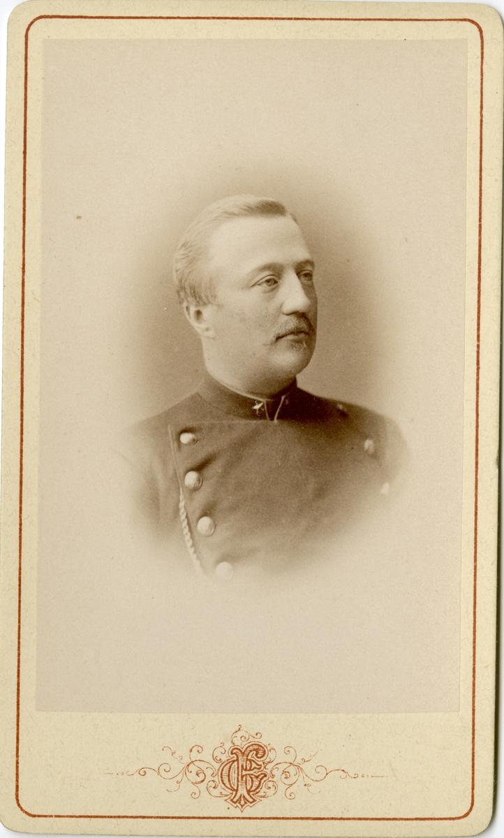 Porträtt av Porträtt av Carl Fredrik Axelsson, officer vid Jönköpings regemente I 12. Se även bild AMA.0006793.