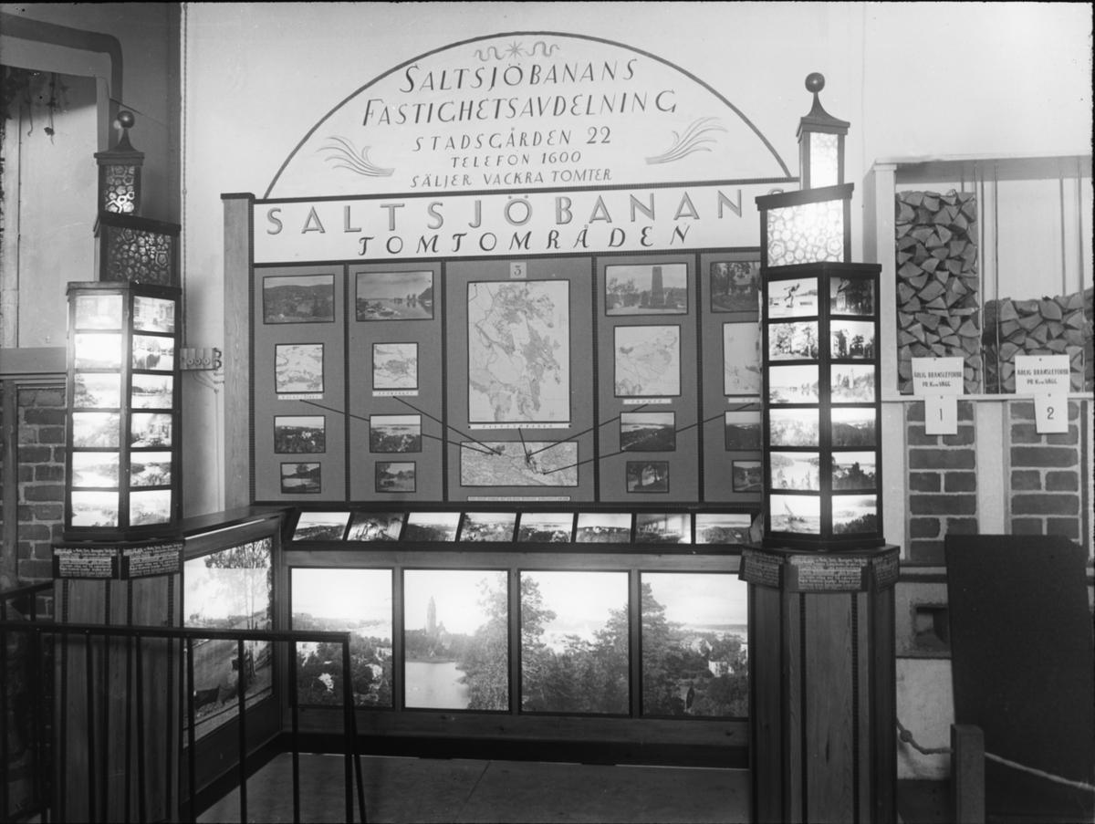 Bild från Ingenjör P. Wretblads material för Bygge och Bo-utställningar. Monter för Saltsjöbadens Fastighetsavdelning.