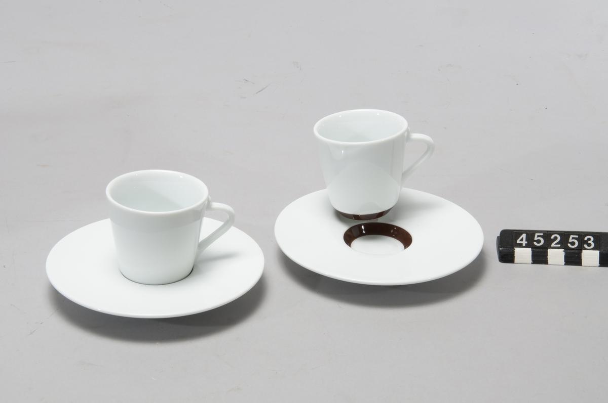 Tillbehörsset till espressobryggare Nespresso Latissima+ bestående av :  En sats med 4st glas med skedar: Ritual Recipe Glass with spoons, 3377/4, Nr:12060030M3. En sats 2 koppar och 2 fat: Ritual Espresso Cups & Saucers, 3368/2, nr:12410030M3. En sats med 6 skedar: Ritual Espresso spoons, 3374/6, nr:12340030M3.