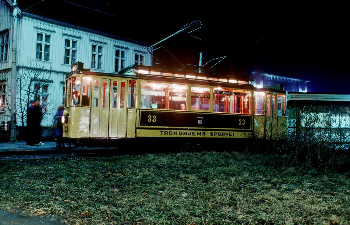 Trondheim sporvei vogn 33 i vendesløyfen på Elgeseter.