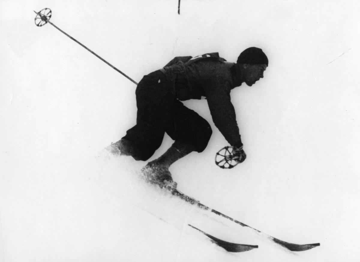 Kongsberg skier Alf Konningen in downhill race