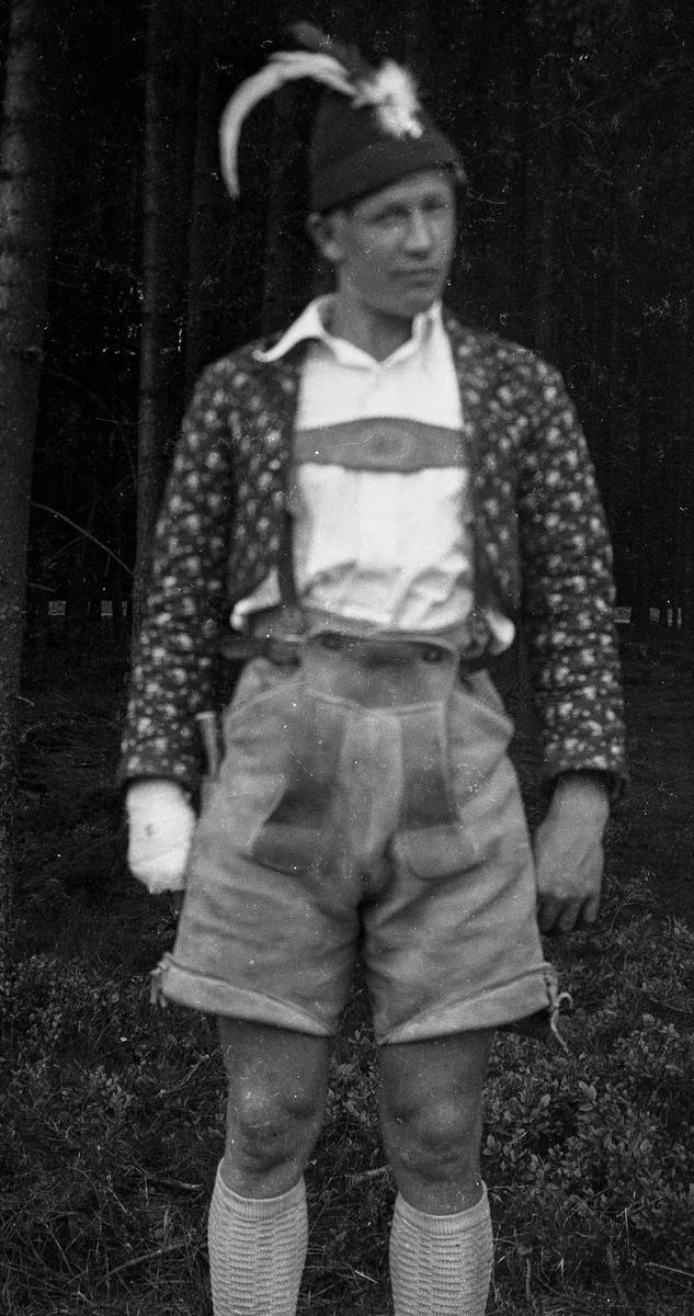 Man dressed in costume at Ruudhytta