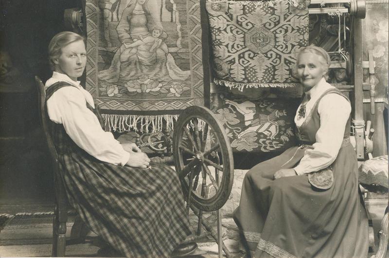 Gunhild til venstre og Tilla til høyre. (Foto/Photo)