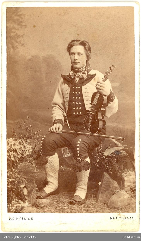 Halvor J. Lie, ca. 1880, fotograf D. G. Nyblin