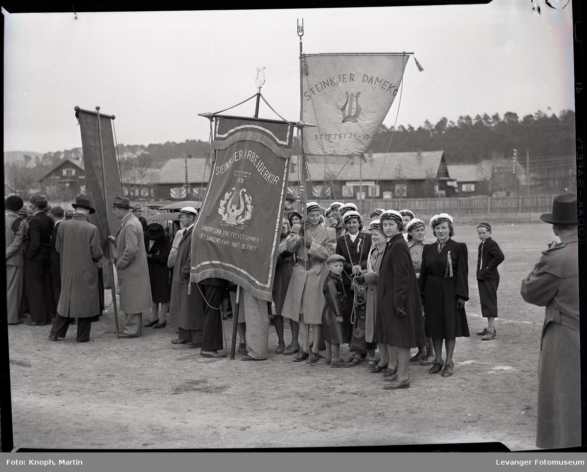 17. mai på Steinkjer, fanebærere på Sannan.