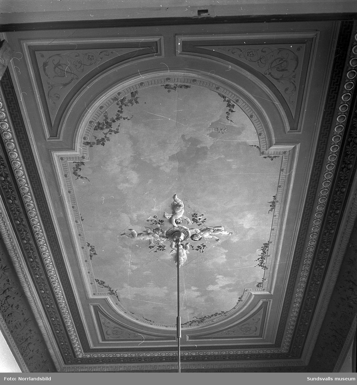 Rikt dekorerat innertak i Merlo slott.