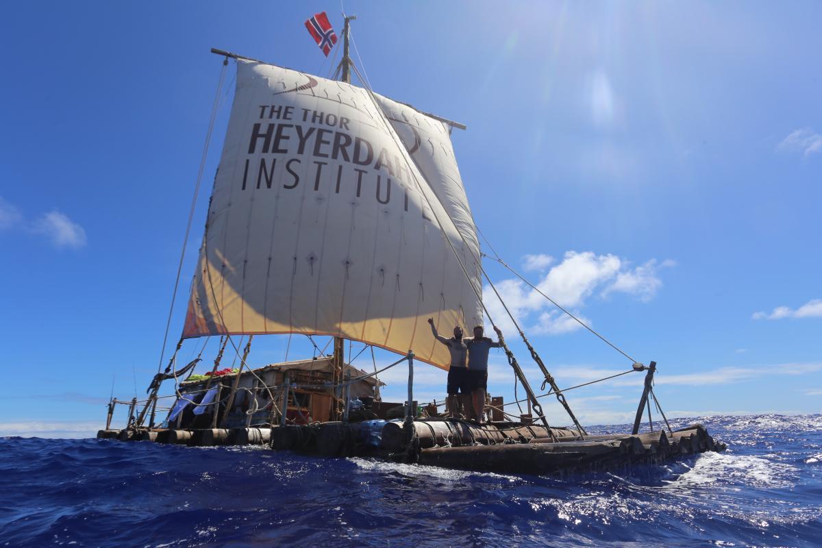 Flåten Tupac Yupanqui  under seil. Foto: KonTiki2-ekspedisjonen. (Foto/Photo)