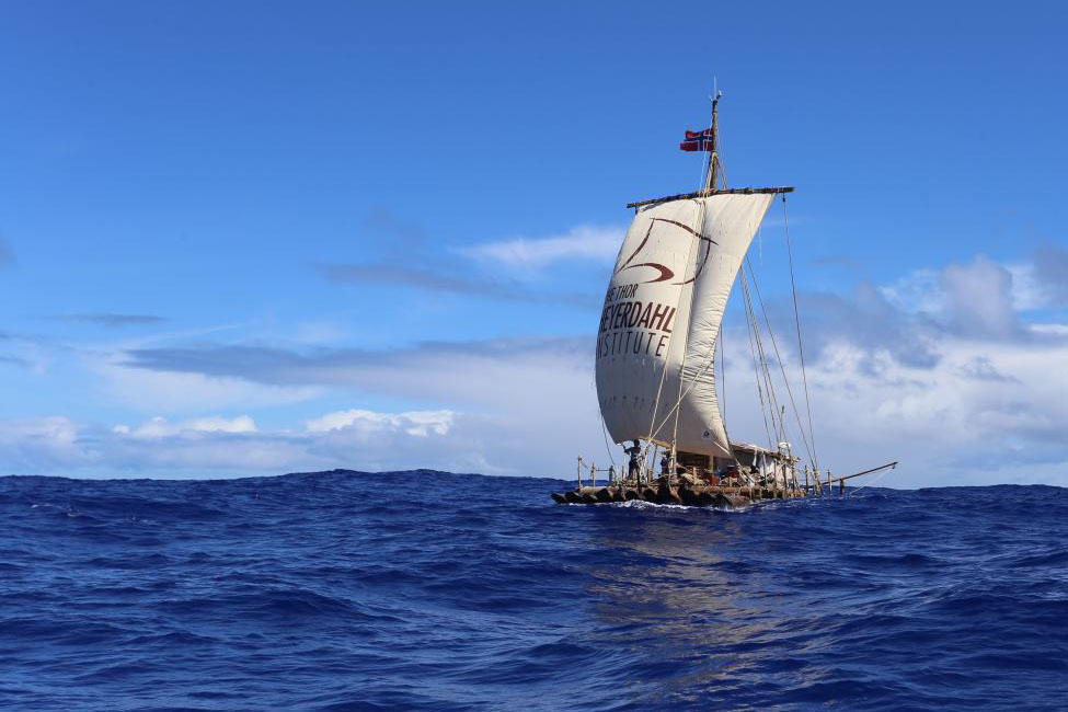 Flåten Tupac Yupanqui i medvind. Foto: KonTiki2-ekspedisjonen. (Foto/Photo)