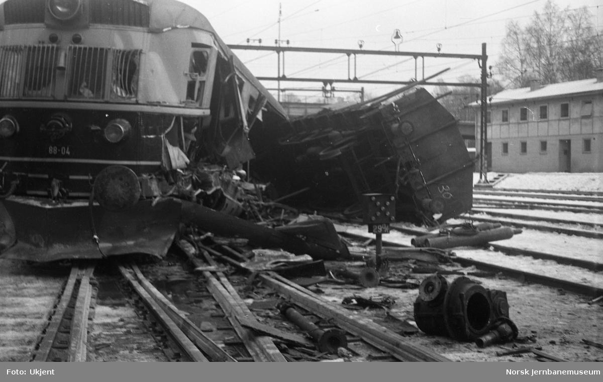 Avsporet motorvogn nr 88 04 på Loenga, etter at vognen var kommet i drift fra Alnabru