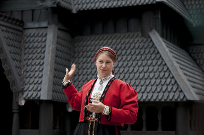 Guided tour of the Stave Church from Gol. Foto/Photo