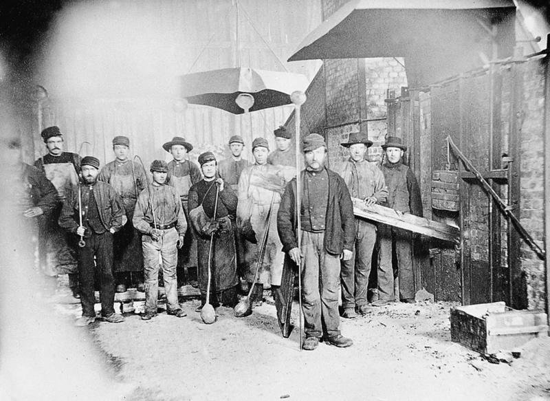 Arbeidere i smelthytta på Røros (Foto/Photo)