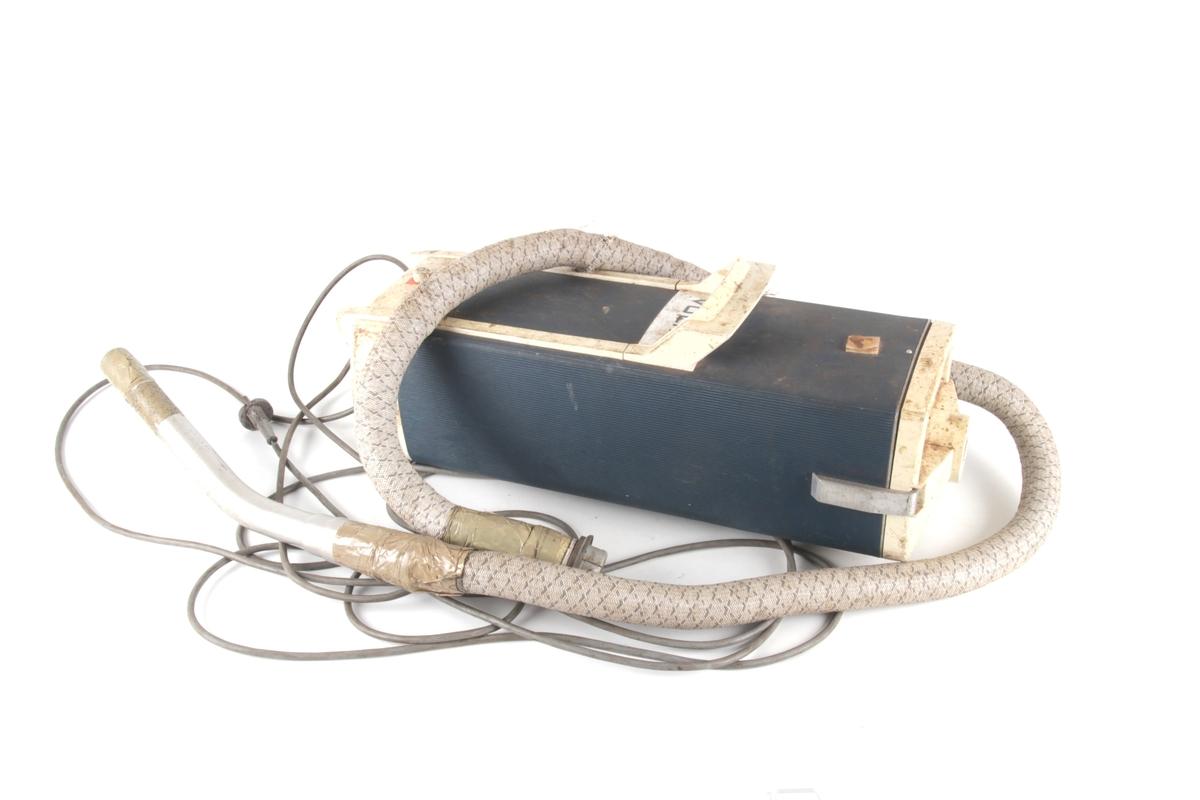 Avlang støvsuger med hank og slange.