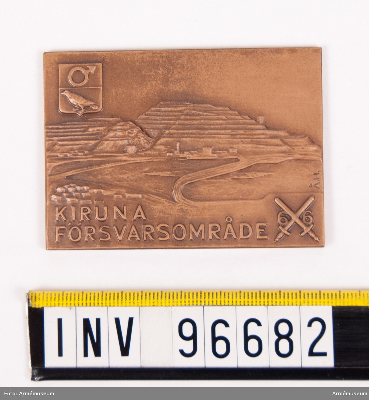 Plakett i brons för Kiruna försvarsområde. Stans 45991