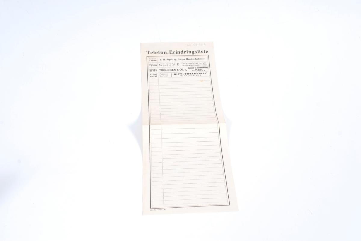 Form: Rektanglær og ganske lang papirstrimmel som er brettet