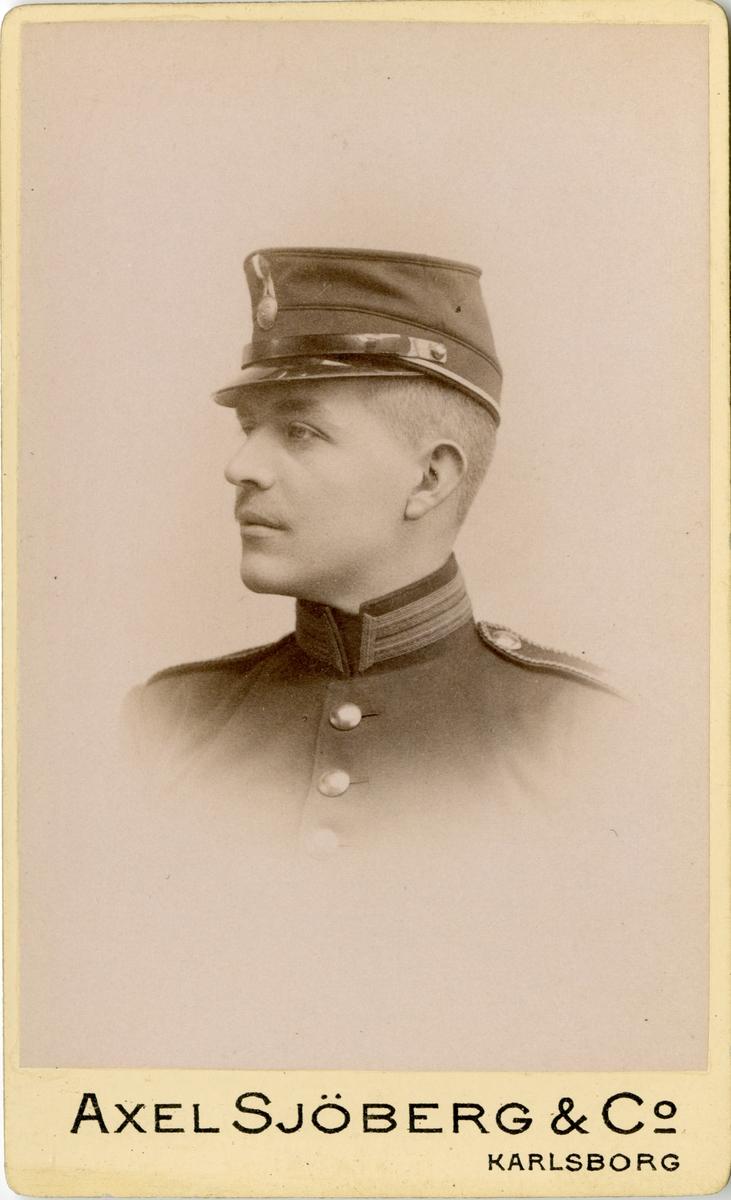 Porträtt av Carl Gustaf Leuhusen, löjtnant vid Jönköpings regemente I 12.