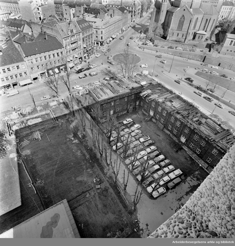 Empirekvartalet rives (Akersgt. 44).Mai 1962