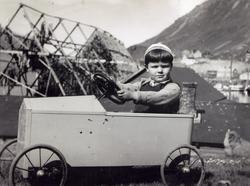 Honningsvåg, Vågen. Gunnar-Helge Hafto, sønnen av havnefogd