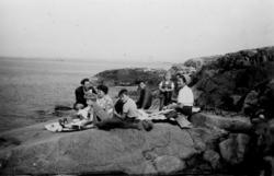 """Pater Noster i augusti 1951. Utflykt med 'Katinka'. Fru Gra"