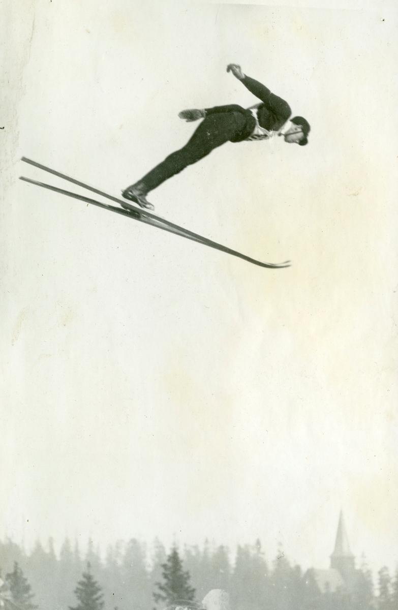 Ski jumper Hans Vinjarengen