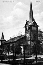 """Postkort: """"; Kristiansund N. Kirken""""; Foto fra Kirken på Kir"""