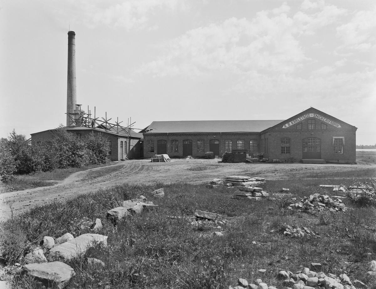 AB Karlstads Snickerifabrik på Tormestad runt år 1930. Byggnaden är nu en del av fastigheten Pumpgatan 5.