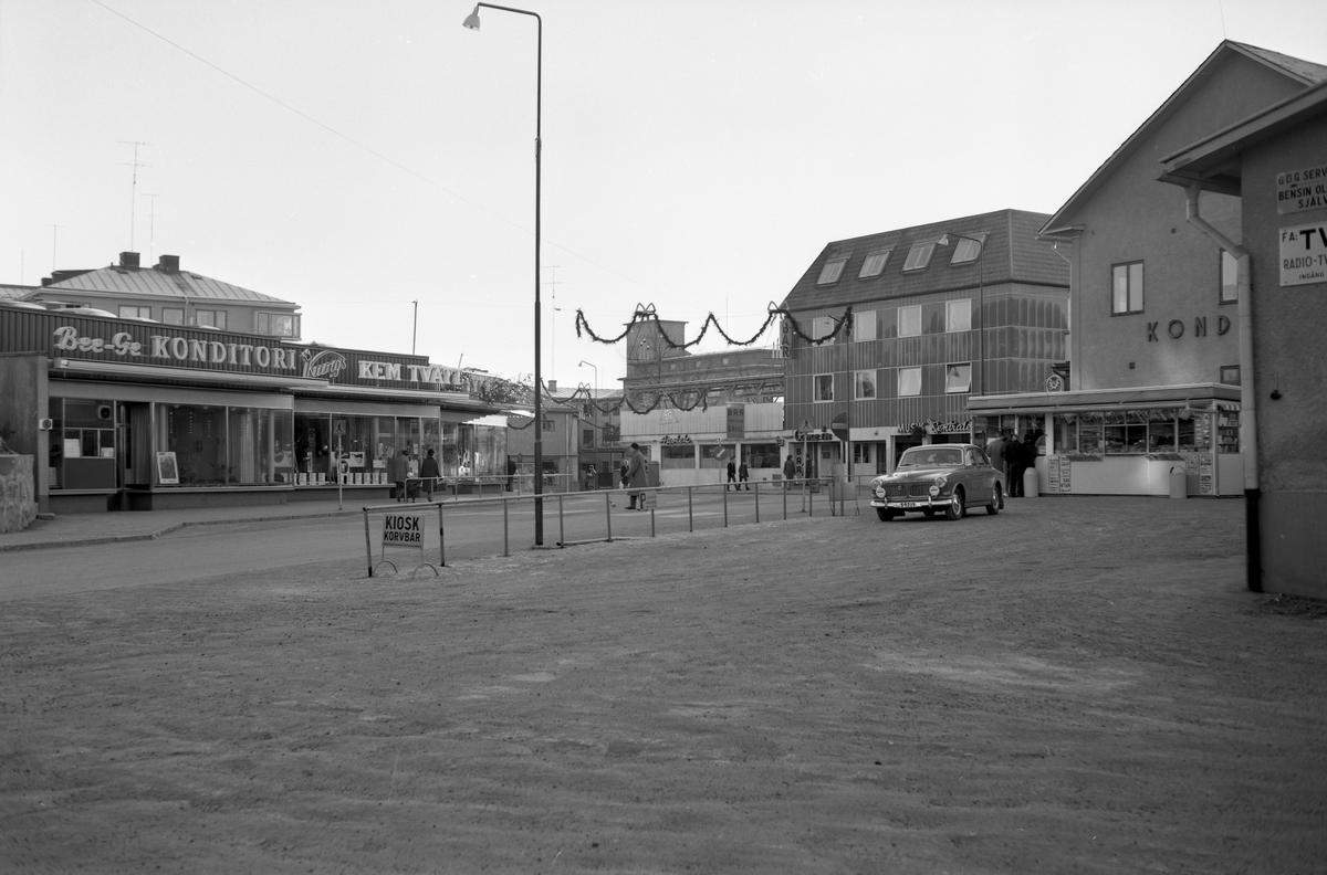 Marielundskiosken vid GDG:s busscentral i Arvika hösten 1963.