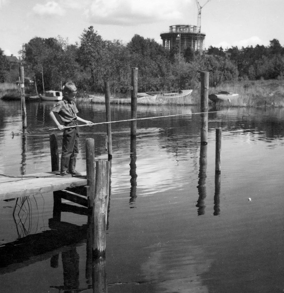 Mete i Lambergskanalen 1961, samma år som bygget av vattentornet pågick.