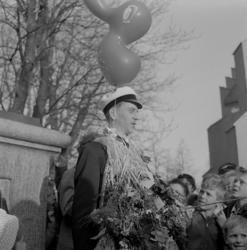 Studenterna, andra d. 1960. En student håller tal vid Esaia
