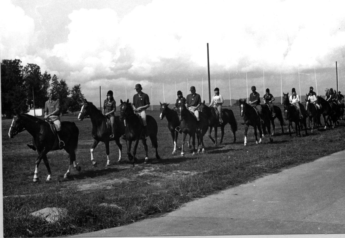 Modern Femkamp VM, Jönköping. Ryttare med hästar.