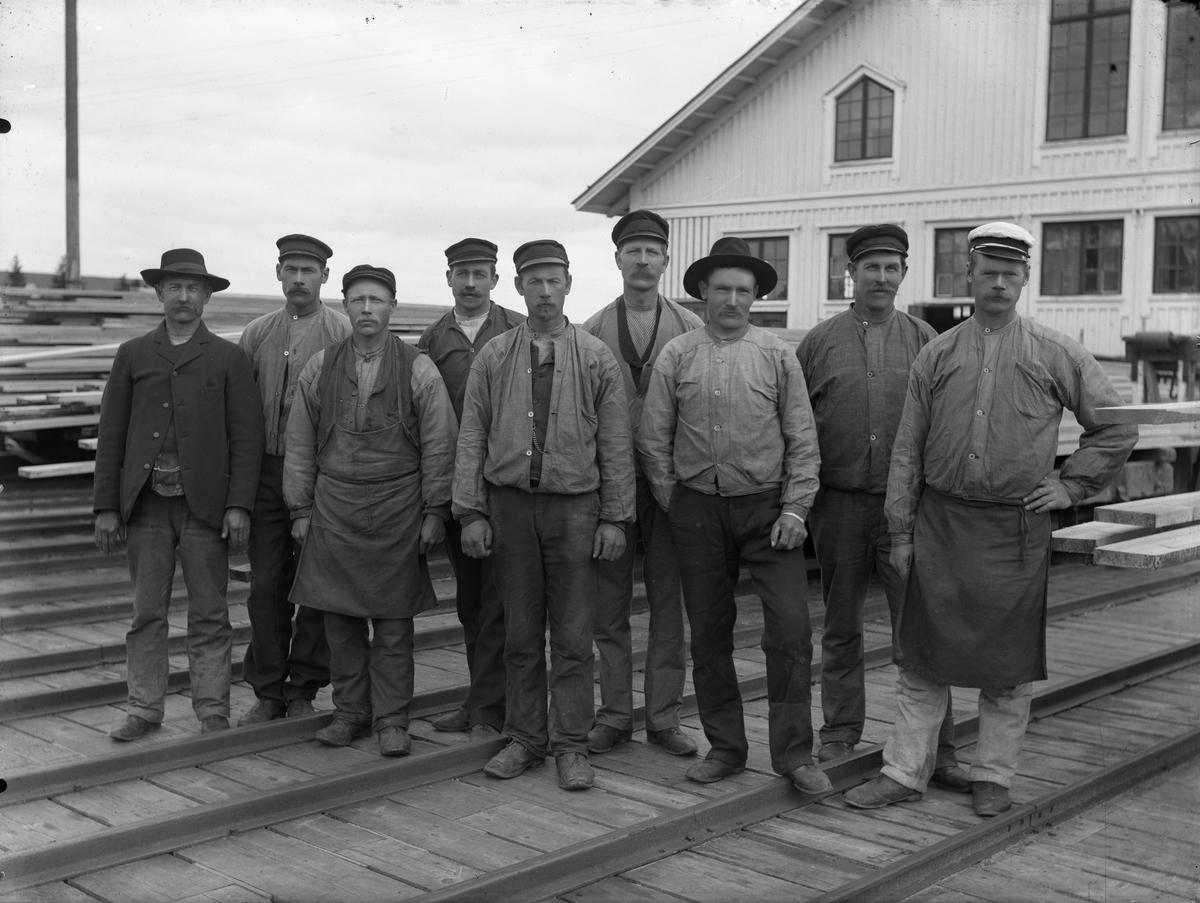 Gruppbild, sågverksarbetare?
