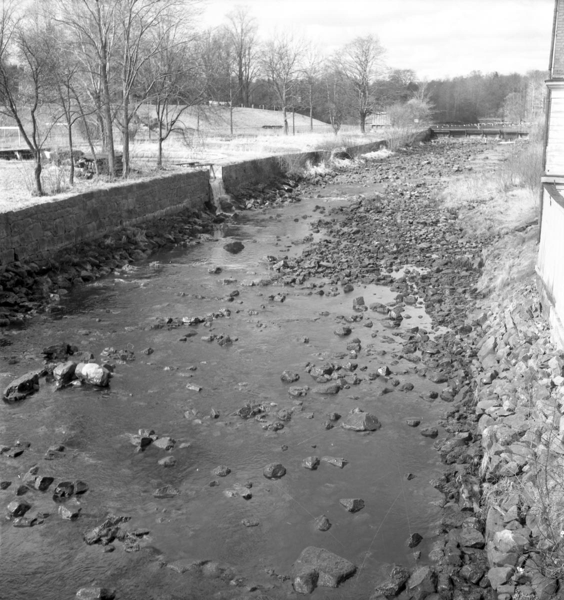 Valskvarn från Gavleån, Drottningbron 21 april 1952.