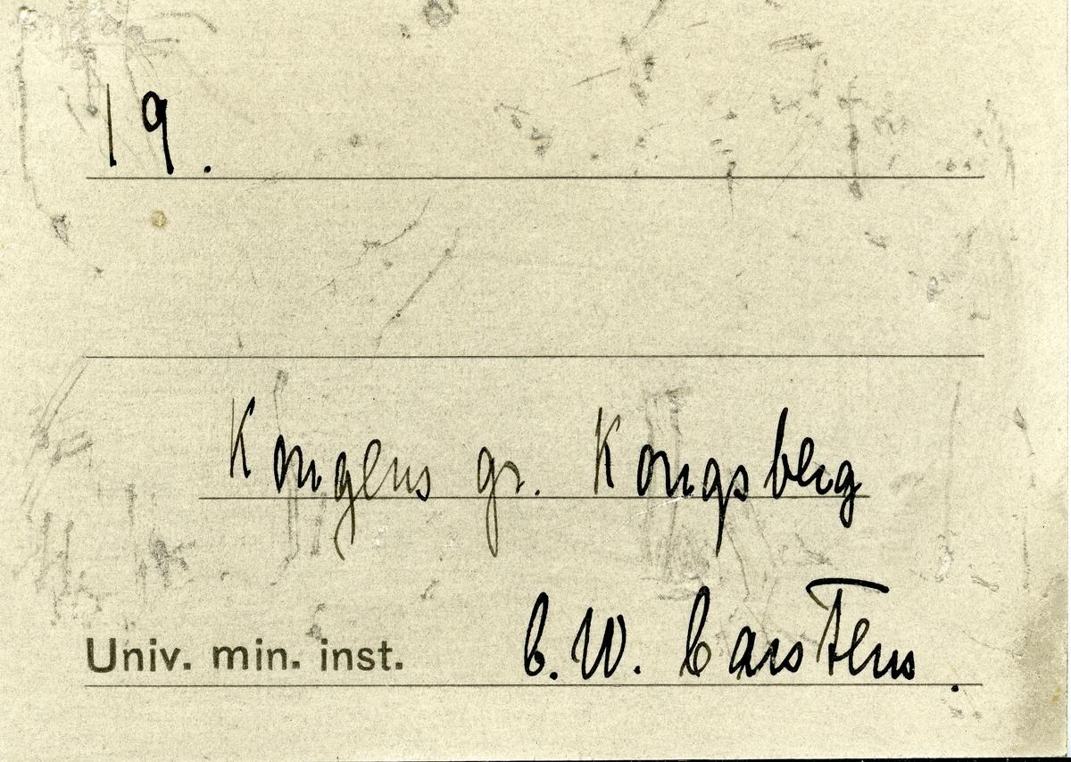 Etikett i eske: 19.  Kongens gr. Kongsberg C.W. Carstens