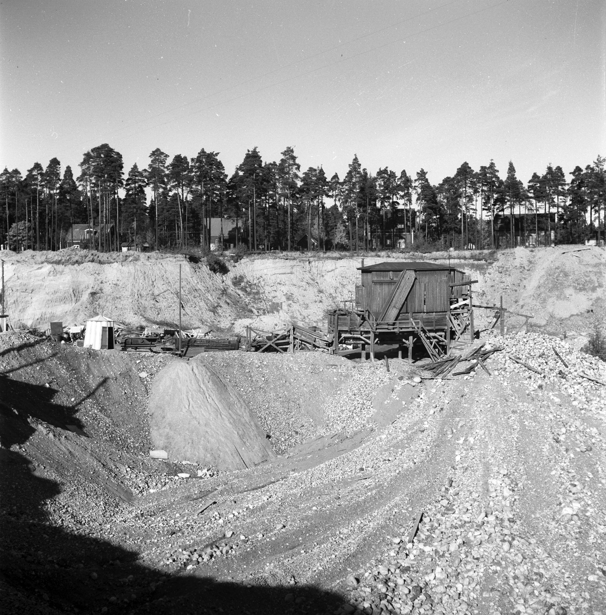 Grusgrop vid GDJ, Nynäs. Oktober 1945.