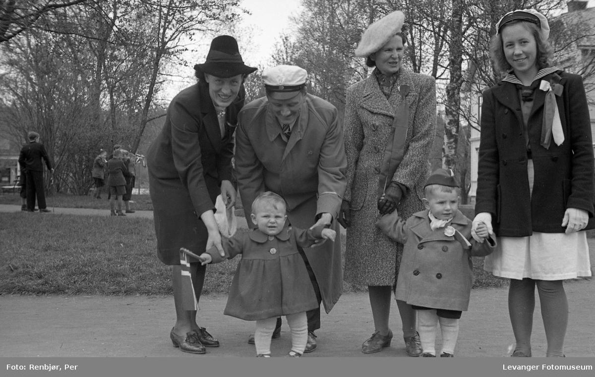 Lærerskolens opptog, familiebilde.