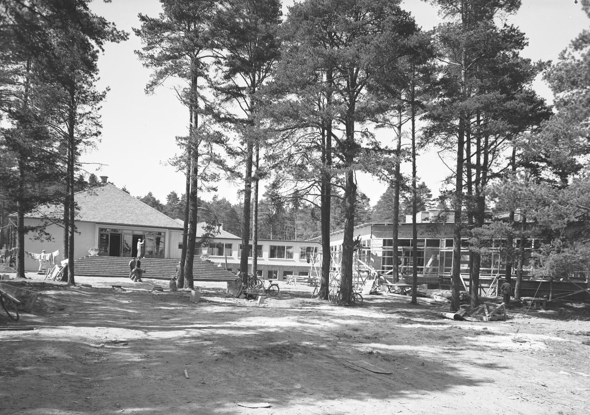 Gävleutställningen 1946.  Med anledning av Gävles 500-årsjubileum anordnades en utställning som pågick 21 juni - 4 augusti. På 350.000 kvadratmeter visade 530 utställare sina produkter
