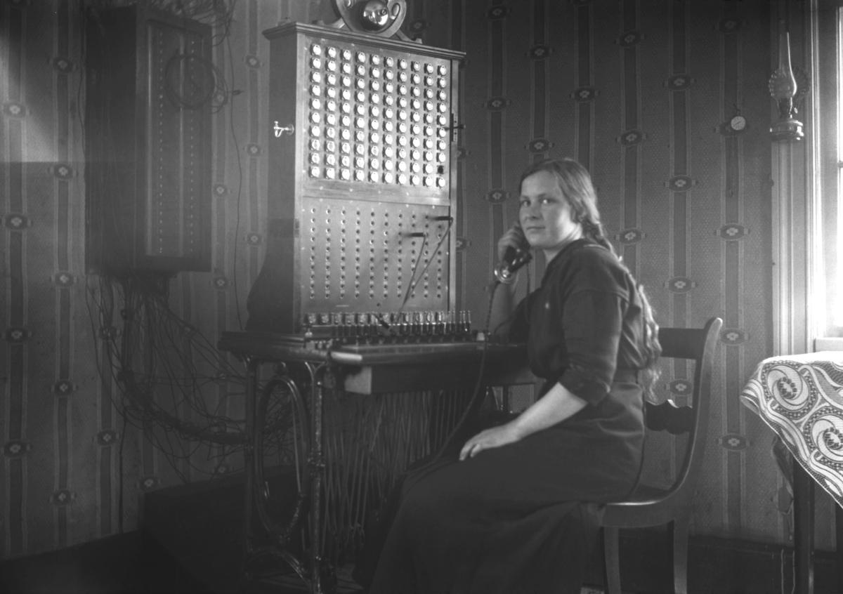 Telefonist Ingeborg Johansson, Godby, som i februari 1918 hamnade i skottlinjen under strider mellan röda och vita styrkor.