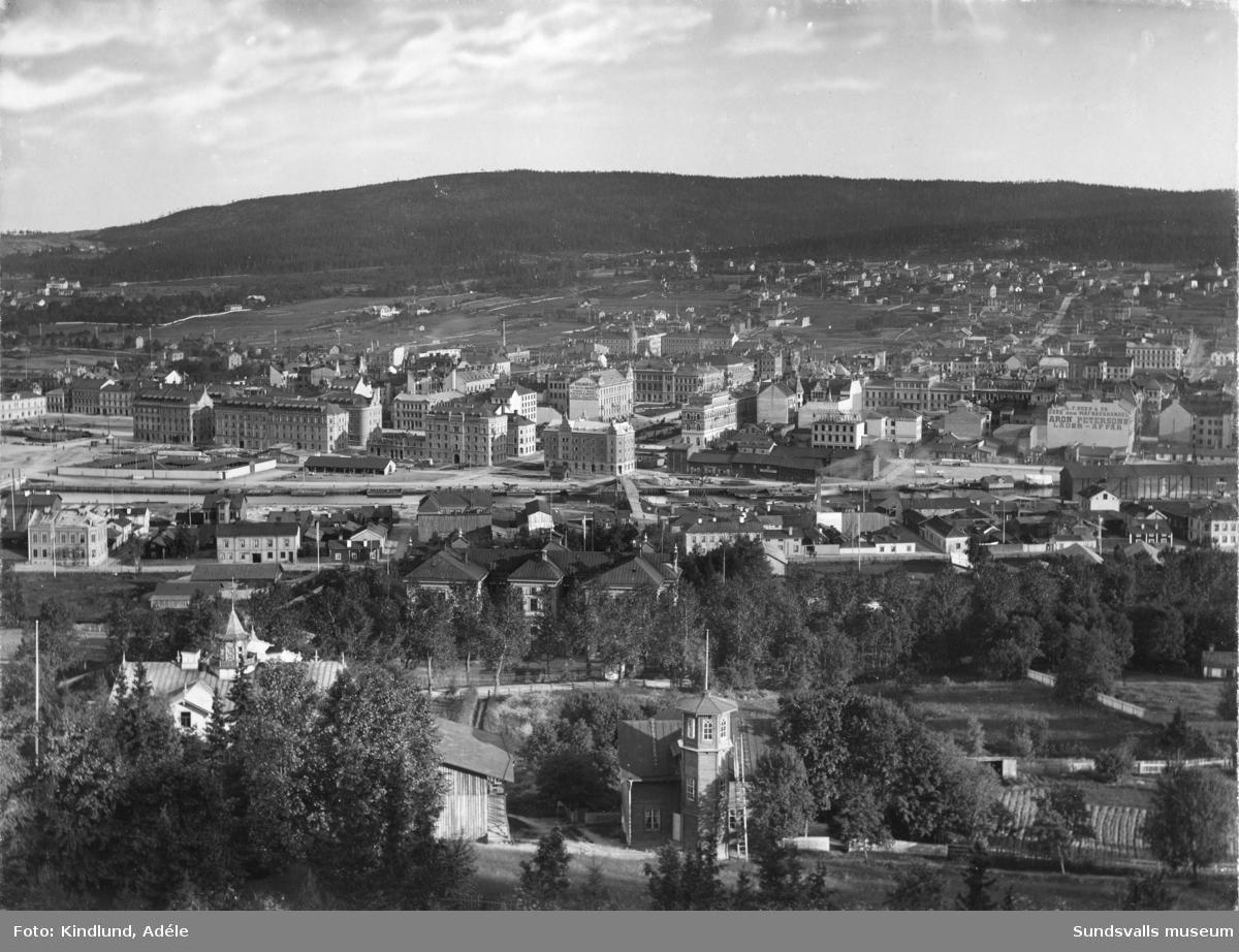 Del av panorama över staden, taget från Norra stadsberget. Centrala delen av staden.